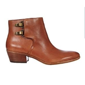Sam Edelman Peter Brown Leather booties.